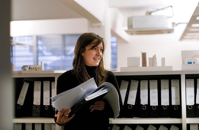 ¿Cómo resolver la crisis de empleo que enfrentan los recién gradudados?