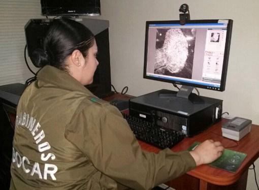 Labocar de Carabineros imprime sus informes policiales con equipos de producción