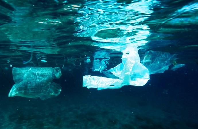Dell utiliza embalaje fabricado con plásticos reciclados de los océanos