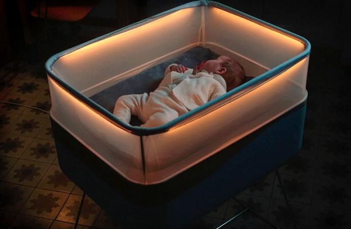 Ford creó una cuna para bebés que simula el andar de un vehículo