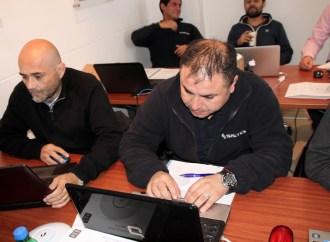 Técnicos y profesionales asisten a programa de certificaciones en Ubiquiti
