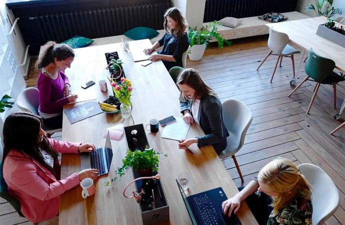 Motorola se une a Chicas en Tecnología