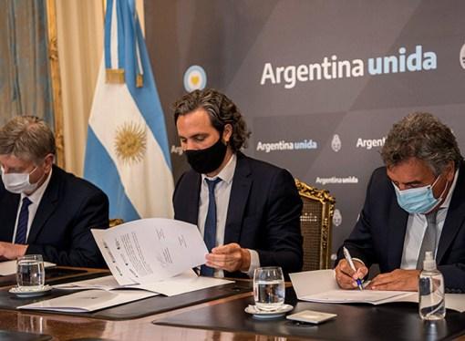 Firma de convenios entre ENACOM y Jefatura de Gabinete para mejorar la conectividad