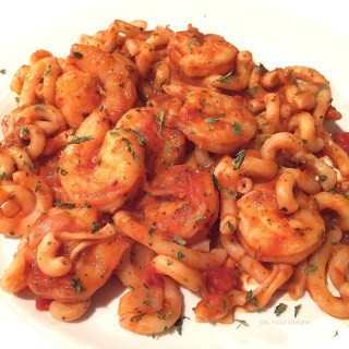 "Shrimp Pasta in a Tomato ""Cream"" Sauce #dairyfree"