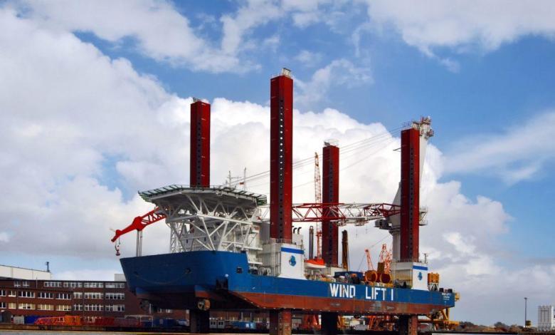 eBlue_economy_World's Largest Crane Vessels