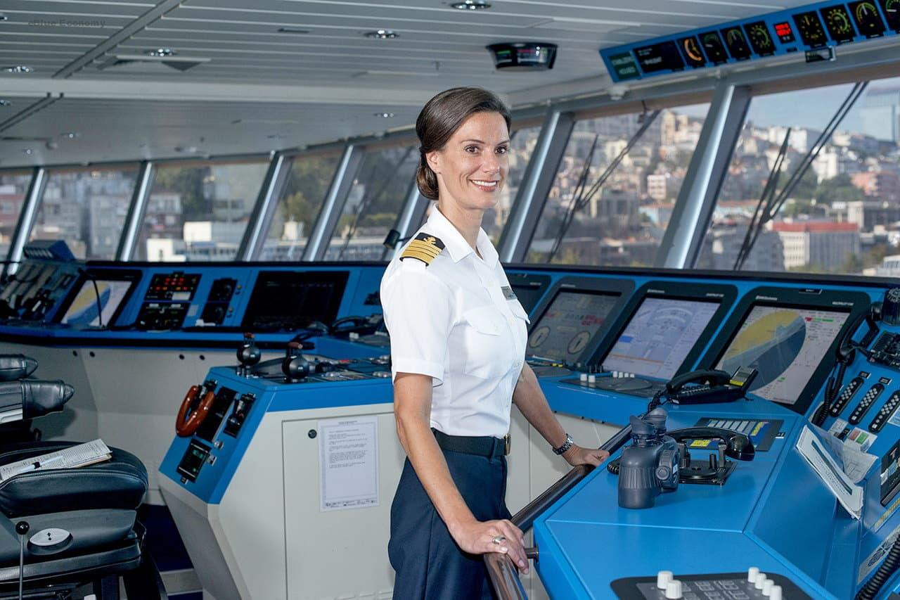 eBlue_economy_new opportunities for women involved in shipping activities