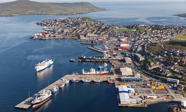 eBlue_ec Lerwick Port Authority contributed to dispose of around 250 meters of plastic pipe recovered adrift in the North Seaonomy_
