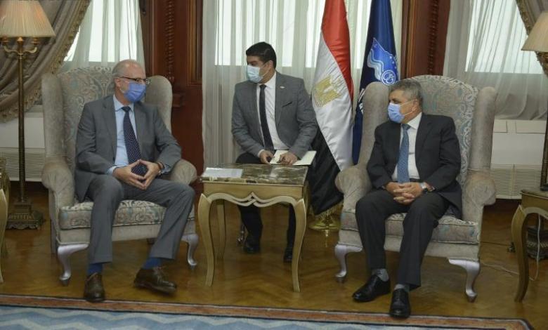 eBlue_economy_الفريق ربيع يلتقى السفير الارجنتينى لبحث سبل التعاون المشترك