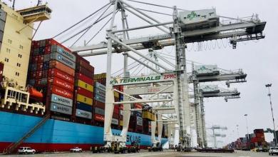 eBlue_economy_Newest, giant crane at Oakland Seaport began operations