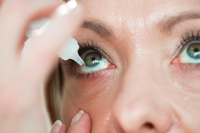Le 5 cause principali dell'occhio secco