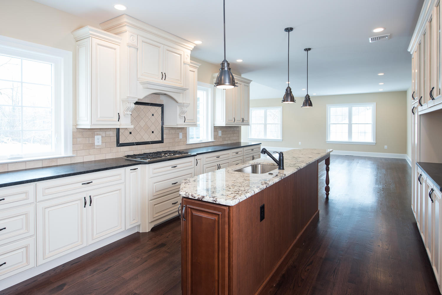 3402 Lewis Rd Newtown Square-large-012-Kitchen-1499×1000-72dpi