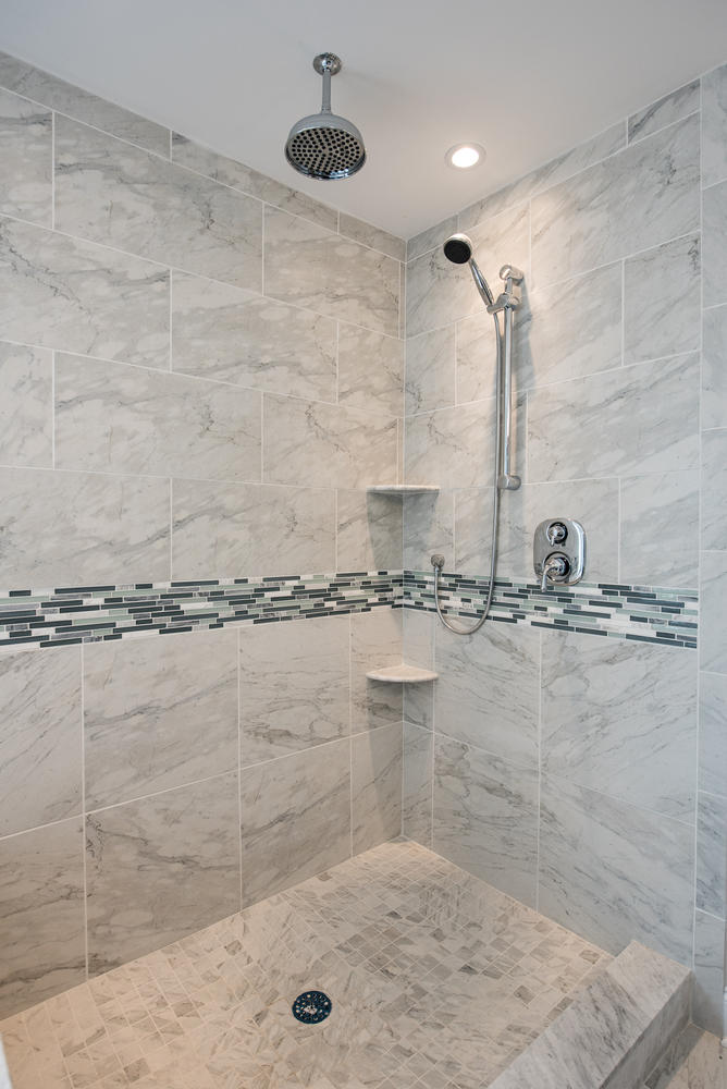 3402 Lewis Rd Newtown Square-large-025-Shower-668×1000-72dpi