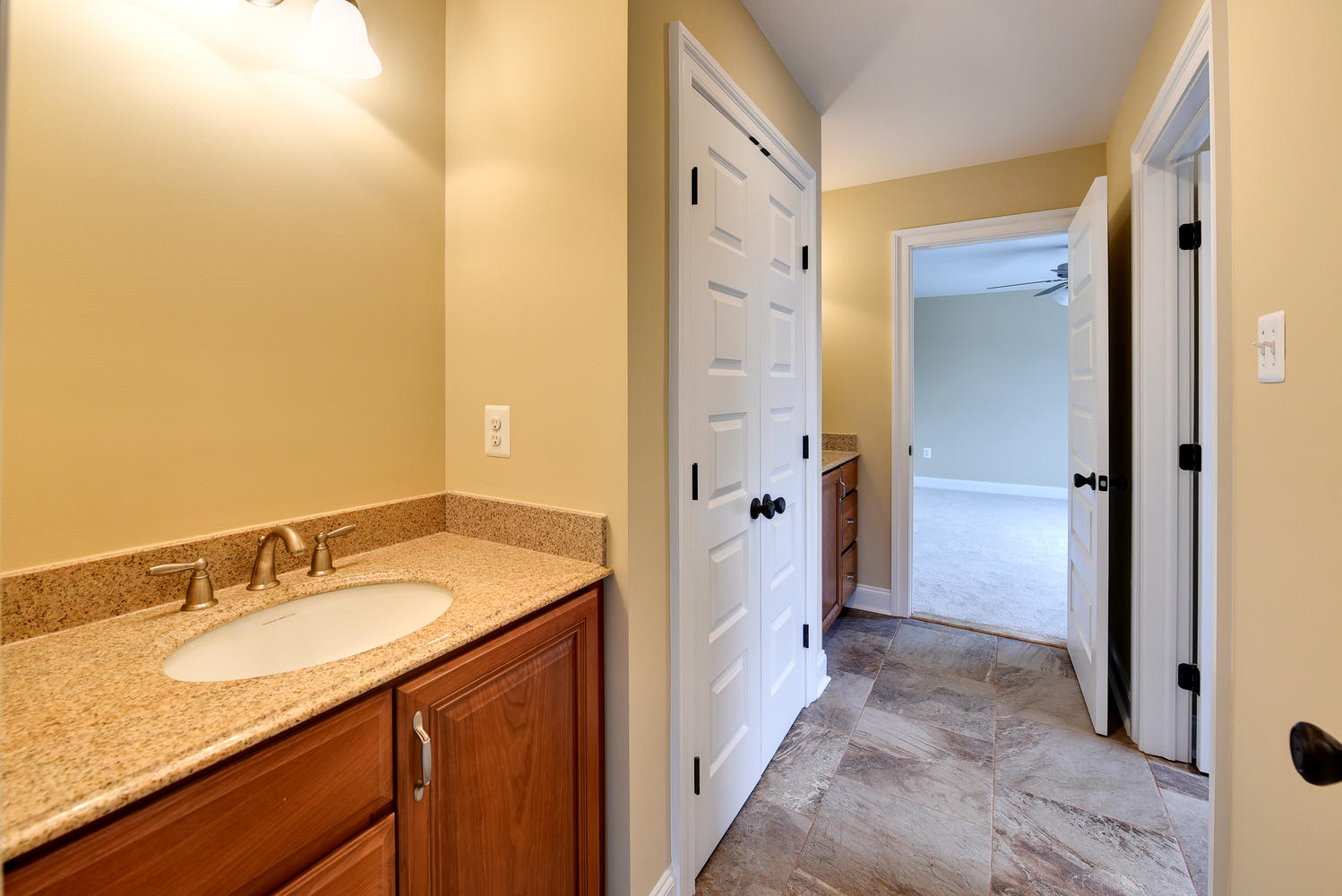 3402 Lewis Rd Newtown Square-large-030-Bathroom-1499×1000-72dpi