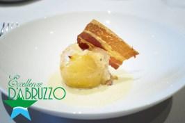 Patata farcita su crema di aglio rosso di Sulmona
