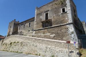 Castello Caracciolo Tocco da Casauria Abruzzo