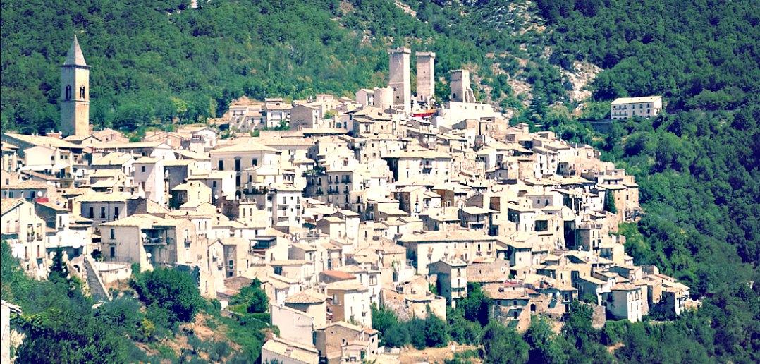 Per le vie del borgo: Pacentro (AQ)