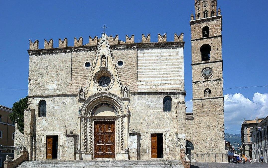 Arte Sacra in Abruzzo: Il Duomo di Teramo (La Cattedrale di S.Maria Assunta)