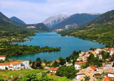 Per le vie del borgo: Villetta Barrea (AQ)