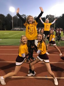 "Fall cheerleaders host ""Cheer Clinic"""