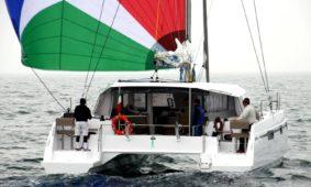 Approda a Rimini in punta di piedi il nuovo Catamarano di East Coast Experience.
