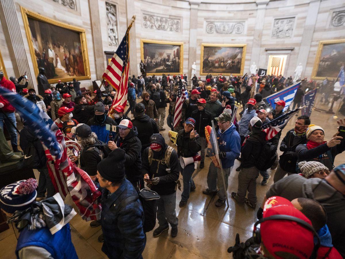 Invasión del Capitolio  por trumpistas