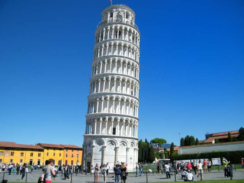 Leaning tower