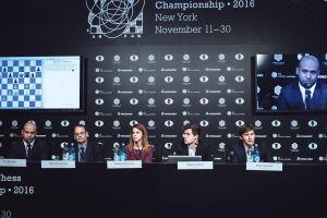 """Conférence de presse à l'issue de la dernière partie et du championnat du monde """" classique """"."""