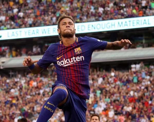 Neymar stuns for Barcelona as PSG swoop thickens (Video)