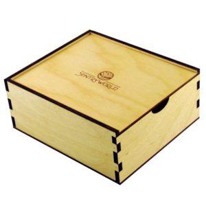 scatola in legno con apertura scorrevole