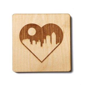 targhetta in legno incisa