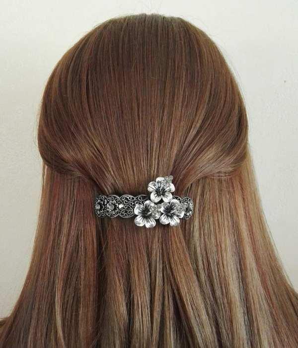 Petite barrette à cheveux argentée Sakina