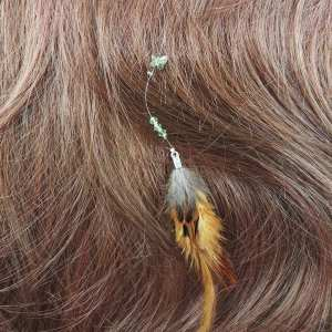 Accessoire de Cheveux Plumes et Perles
