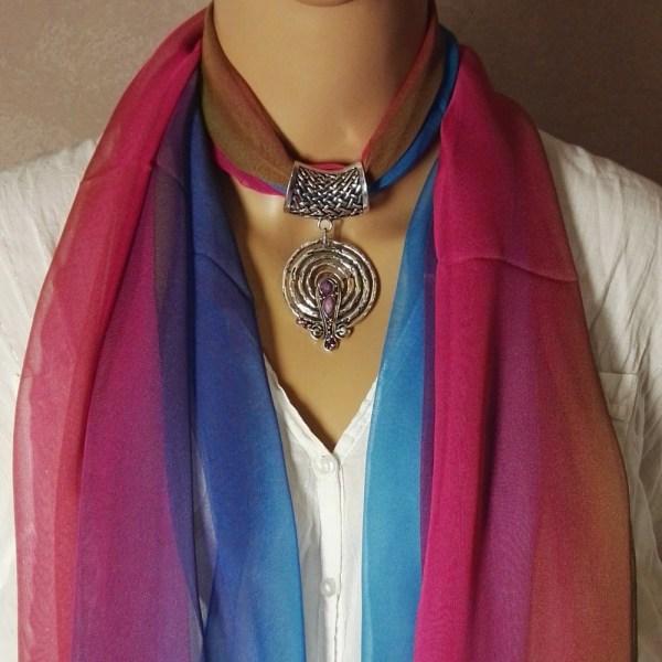 Bijou de foulard Mira