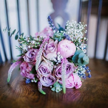 NATURAL & RUSTIC WEDDING FLOWERS