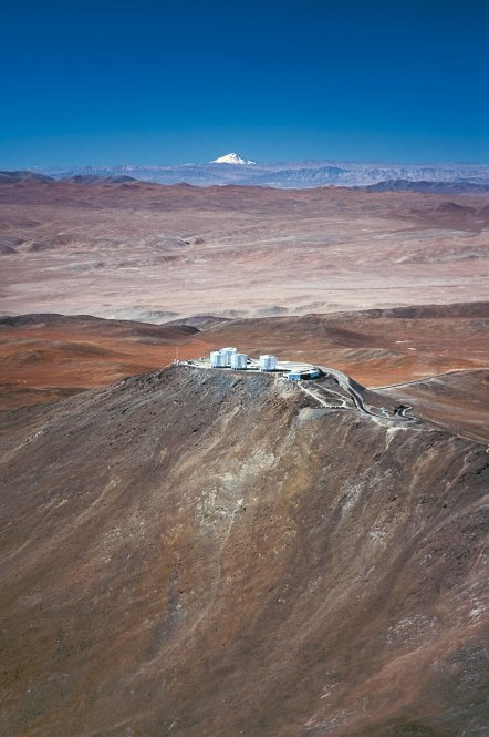 28 Paranal Observatory and the Volcano Llullaillaco (120 x 79,7 cm) €50