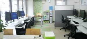 池袋板橋_オンライン講習と個別指導のエクールパソコン教室の様子
