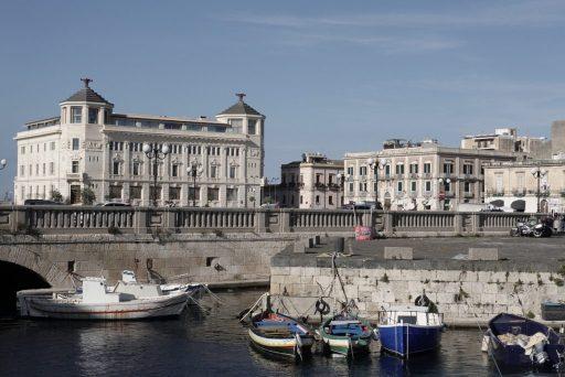 Syracuse – bij de brug naar Isole di Ortigia