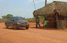 Posto de pedágio ilegal dos Xavantes em rodovia do Mato Grosso