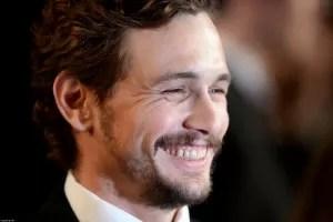 James Franco con un gran sorriso