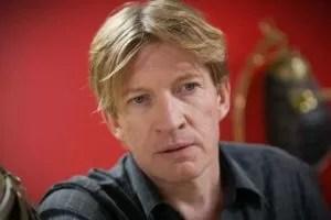 David Wenham sfondo rosso
