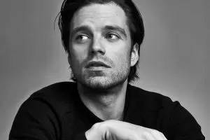 Sebastian Stan bianco e nero
