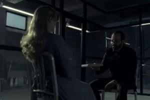 Westworld Bernard parla con Dolores