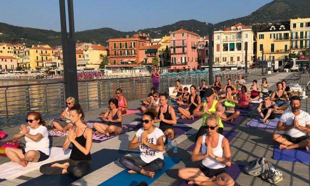 Alassio: tre mesi di Free Yoga, yoga gratuito per tutti