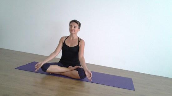 yoga-@-home-lezioni-online-casa-essere-free-gratuito-gratis-benessere-per tutti-alassio-lucia ragazzi-meditazione-salute-sport-wellness-wellbeing-