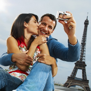 Paris selfie Eiffel tourism be a better tourist