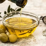 olive oil is a safe homemade hair conditioner