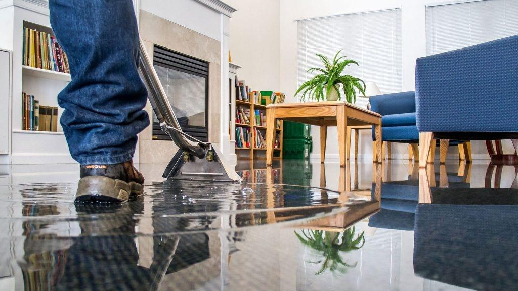 get skilled water damage restoration technicians here