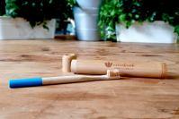 Cepillo de dientes de bambú para adultos