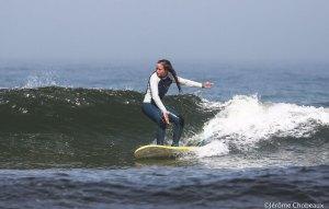 girl-surf-landes-school