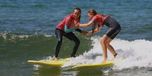 surf-lessons-moliets-girls